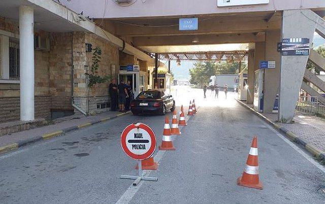 Kapshtica mbetet e mbyllur, Greqia shtyn masat kufizuese