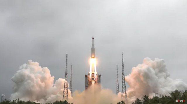 Raketa e parë e Kinës në hapësirë del jashtë