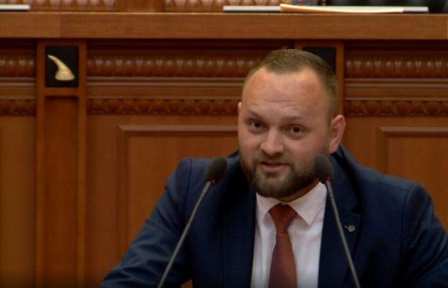 """Meta me shok pijanec"", Halit Valteri sulmon Bashën:  Si mund"