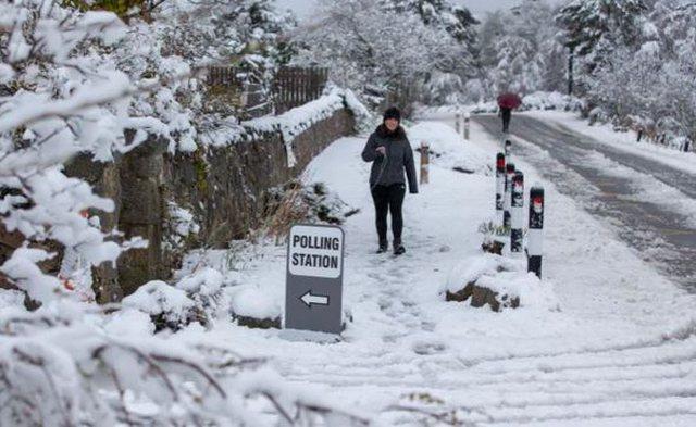 Mot ekstrem në Mbretërinë e Bashkuar: Veriu ngrin, në jug