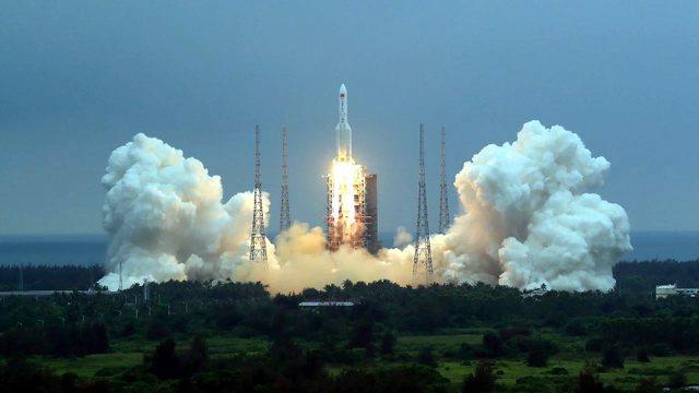 Rënia e raketës kineze në Tokë, e rrezikuar edhe
