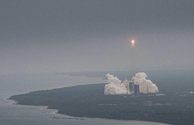 Mediat kineze: Raketa u shpërbë mbi Oqeanin Indian, s`ka rrezik