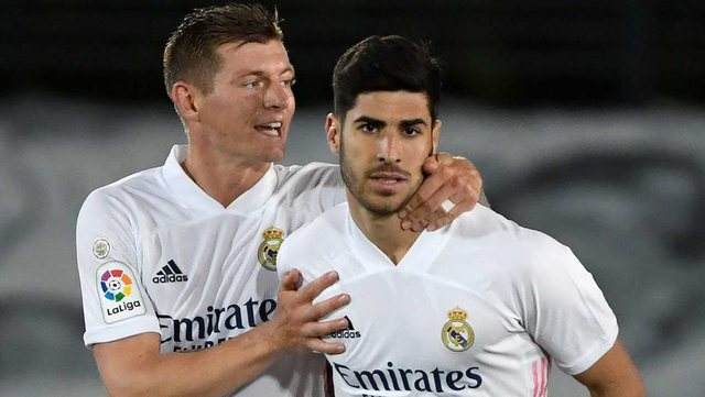 """Reali """"ngec"""" ndaj Sevilla-s, Atletico vijon kryesimin në La"""
