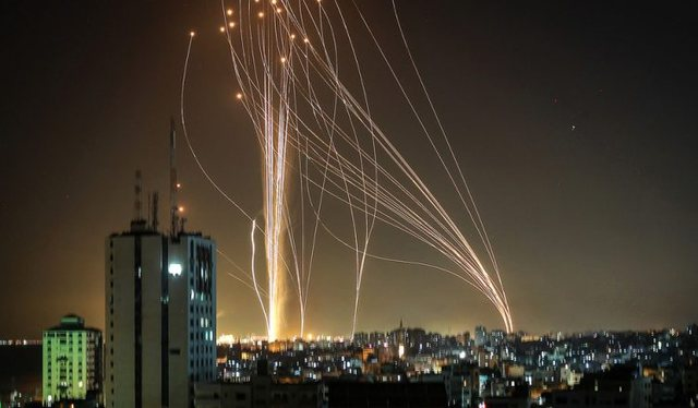 Luftime me avionë e raketa mes dy vendeve