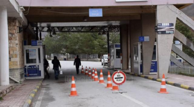 Deputetët grekë kërkojnë hapjen e kufirit me