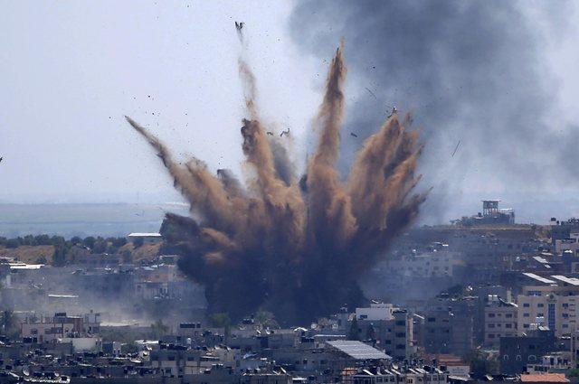 Linjat ajrore globale anulojnë fluturimet për në Izrael pas