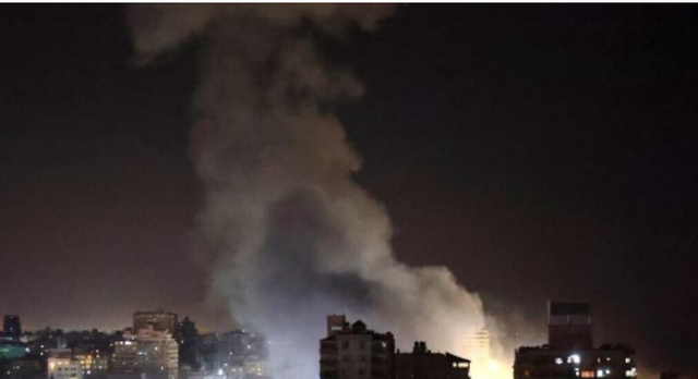 Rriten tensionet, , Izraeli bombardon veriun e Gazës, evakuohen qindra