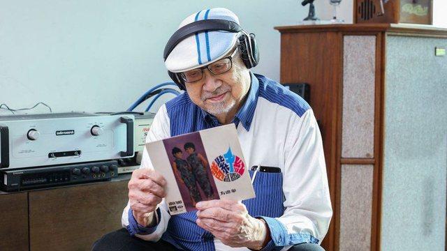 Del në pension në moshën 96 vjeçare DJ më i