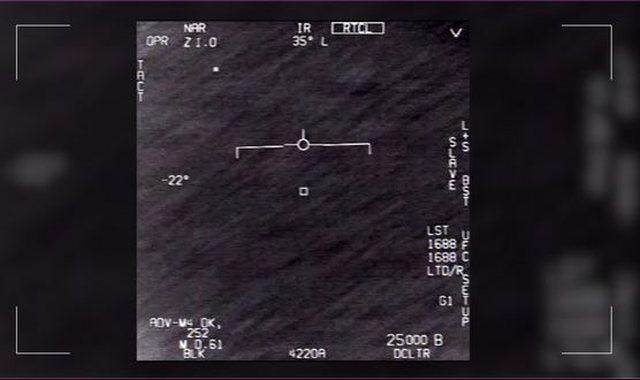 Ish-piloti amerikan kërkon që UFO-t të merren seriozisht: