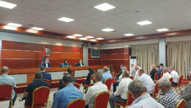 Gjonaj: Më 14 qershor rinisin takimet e të burgosurve me
