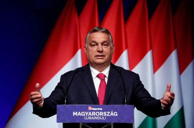 Mijëra protestues kundërshtojnë universitetin kinez, Orban do