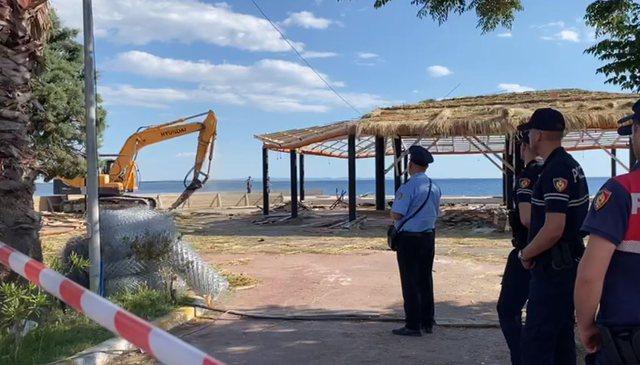 """Shembja e ndërtimeve pa leje në bregdet, IKMT """"zbarkon"""""""