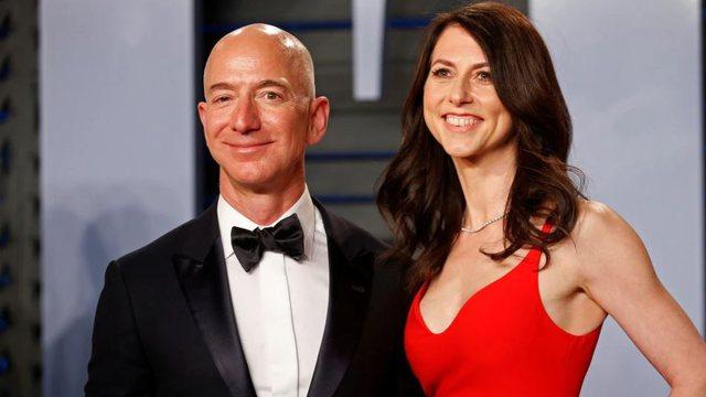 Një nga gratë më të pasura në botë dhuron