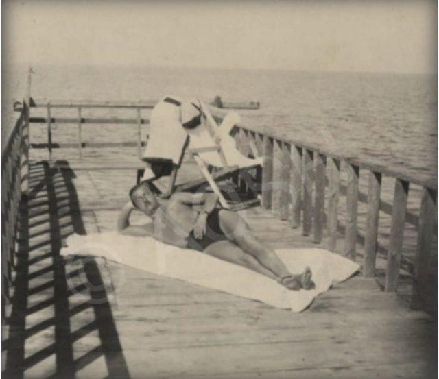 Kur Mbreti Zog bënte plazh në Durrës, foto të rralla të