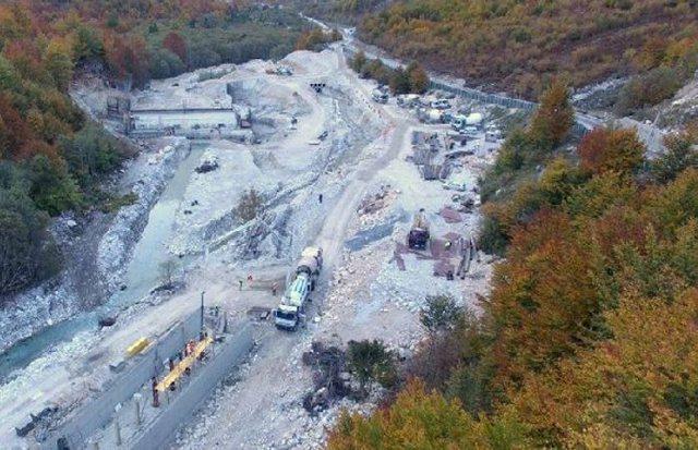 Gjykata e Lartë pezullon punën për ndërtimin e HEC-eve