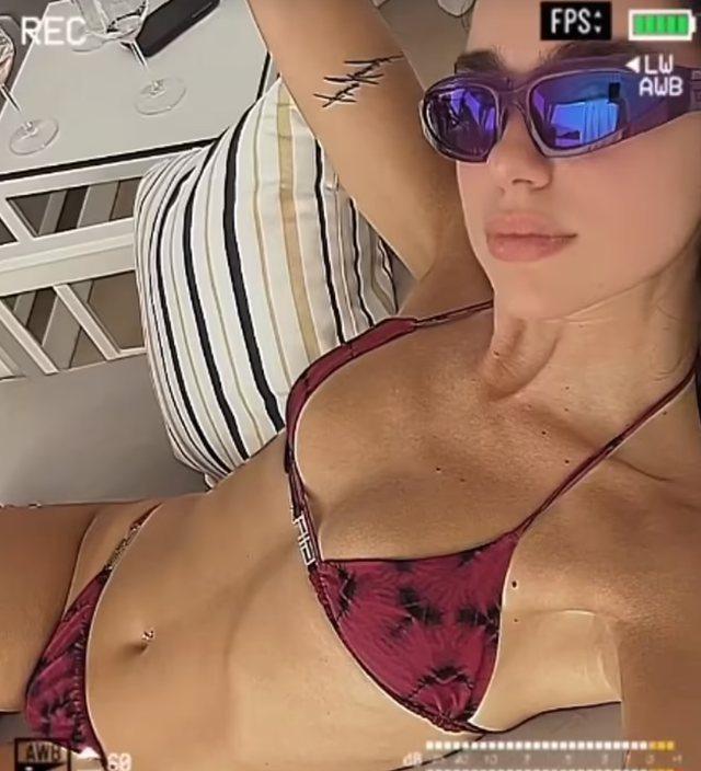 Pushime në Shqipëri, Dua Lipa del me bikini,