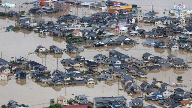 Një muaj nga përmbytjet në Japoni, vijon kërkimi për 5