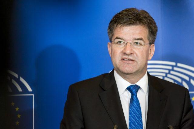 Dialogu Kosovë- Serbi, Lajçak njofton se do udhëtojë drejt