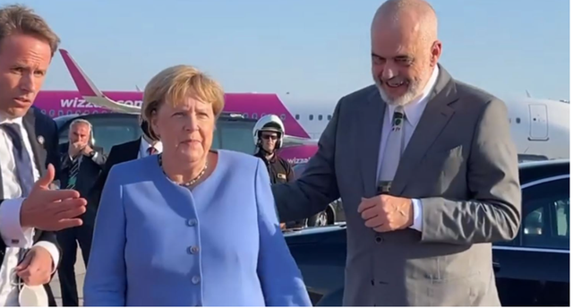 """Ramës nuk i del koha për """"t'u çmallur"""" me Angela"""