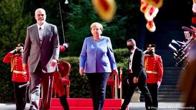 Këshilltarja e Ramës zbulon tre mesazhet që dha Merkel në