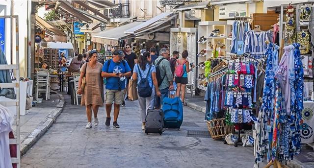 Mbi 2 mijë të infektuar nga Covid-19 në Greqi, 37 të vdekur