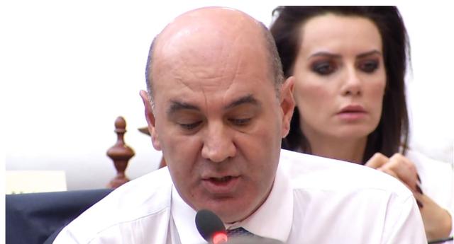 """""""Kryeministri po fshihet"""", ndërpritet seanca në Kuvend, PD"""