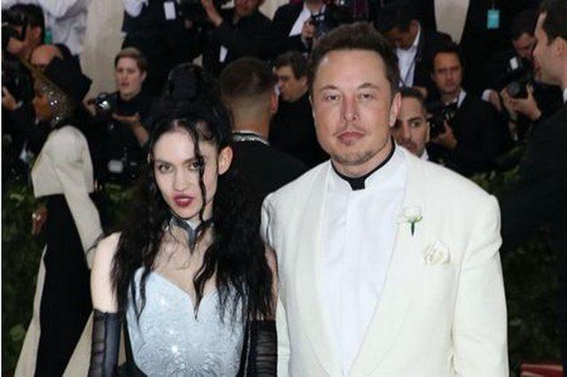 Pas tre vitesh, Elon Musk ndahet nga e dashura e tij këngëtare