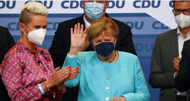 """Zgjedhjet në Gjermani, si """"u fundos"""" partia e Angela Merkel,"""