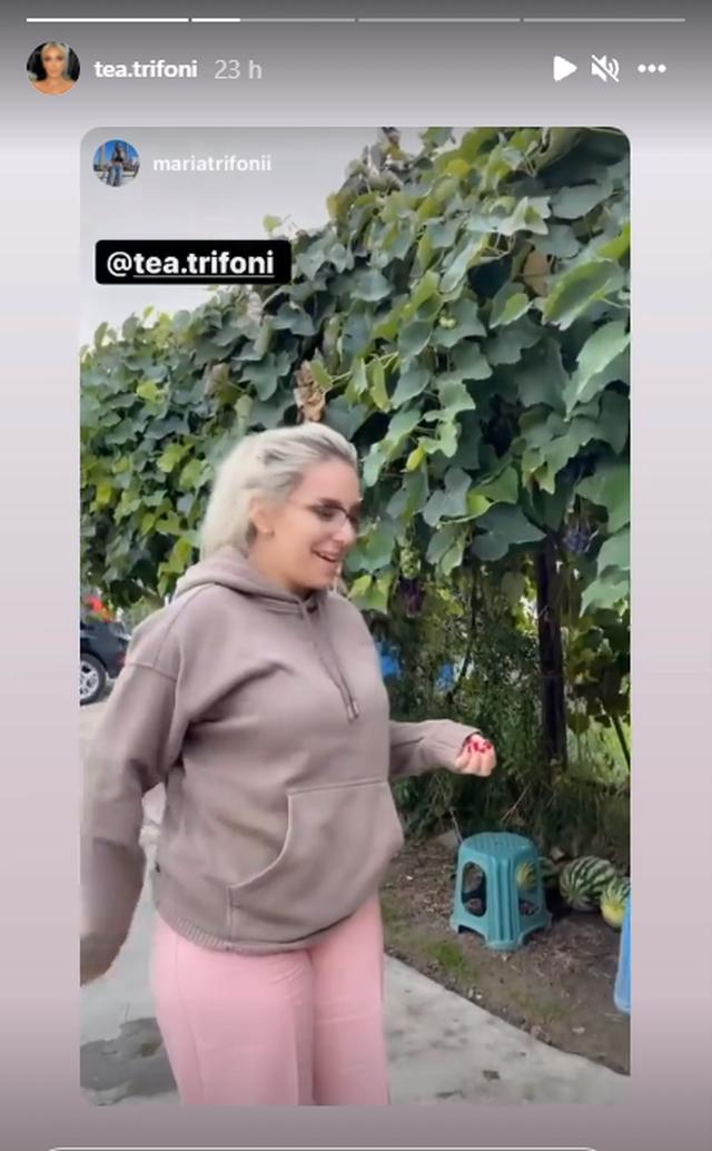 Me pizhame dhe pa make-up, Tea turpërohet nga motra e saj