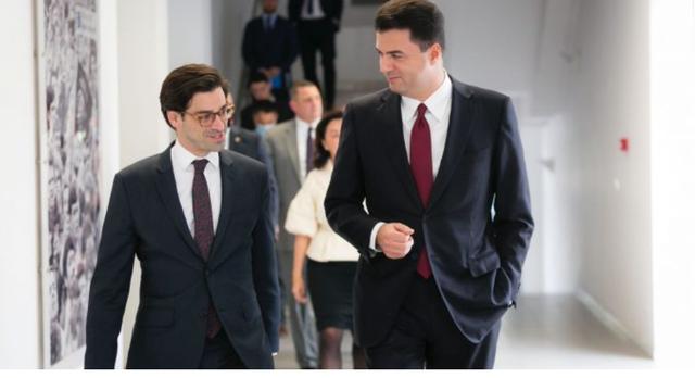 """Delegacioni i SHBA në Tiranë, """"forcohet"""" mbështetja"""