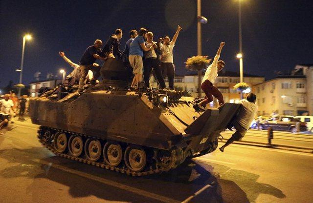 Grushti i shtetit, Turqia dënon 38 ish-zyrtarë ushtarakë me