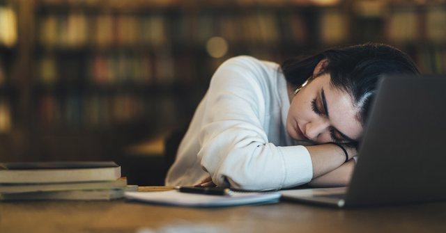 Bëni kujdes me gjumin, mungesa e saj rrit rrezikun e demencës