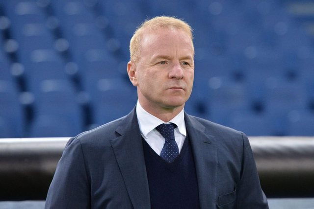 Frankfurt ka nisur bisedimet me Lacion, kërkon Taren si drejtor sportiv