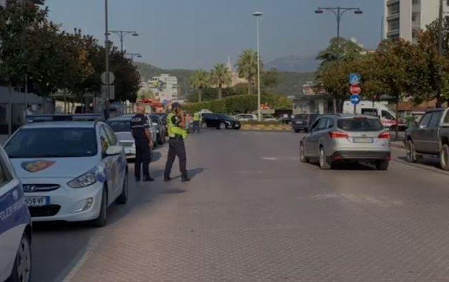Bllokuan aksin Elbasan-Librazhd duke hequr barrierat e vendosura nga ARRSH/