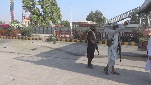 Sulm me bombë mbi një bazë të talibanëve