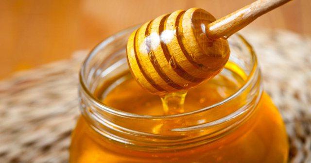 Përdorni përzierjen mjaltë dhe hudhra, ja efektet që ka