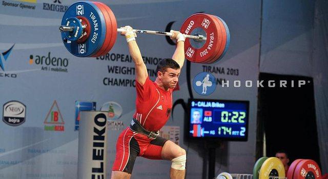 Peshëngritësi Briken Calja i jep Shqipërisë dy medalje