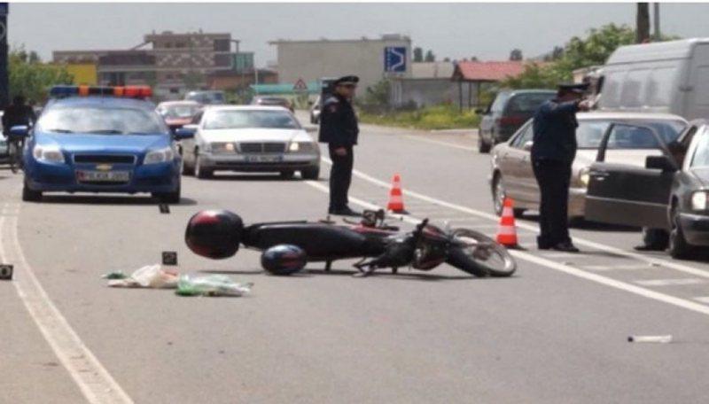 Aksident në autostradën Durrës-Tiranë, një i