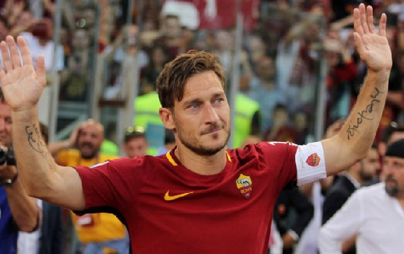 Francesco Totti infektohet me Covid-19, pak kohë pasi i vdiq babai nga i