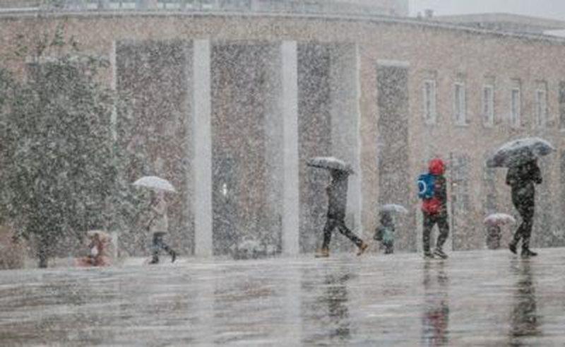 Parashiki i motit, në fundjavë nisin reshjet e para të borës