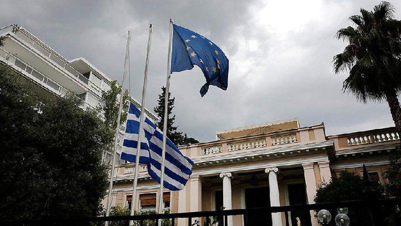 Lajm i mirë për emigrantët/ Greqia shtyn afatin e lejeve të