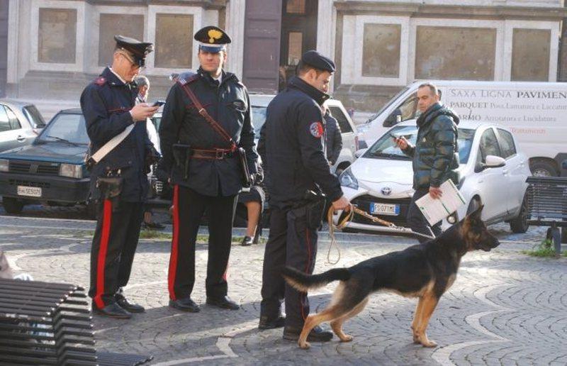 Trafik droge dhe armësh, goditet banda shqiptaro-italiane