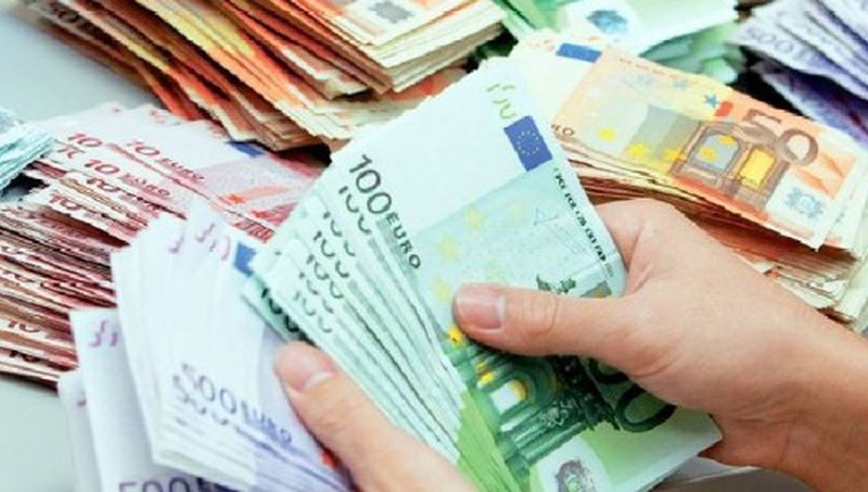 Euro shënon tjetër rekord, forcohet ndjeshëm dhe dollari, por ja