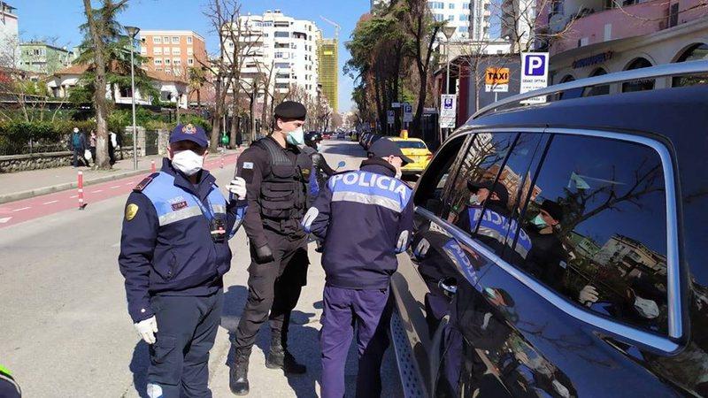 Policia: Nuk rrespektuan masat, 18 shoferëve iu hiqet patenta, gjobiten 281