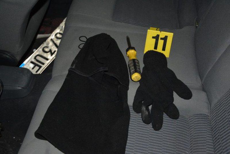 Grabisnin të veshur si policë, kapet banda me pesë persona