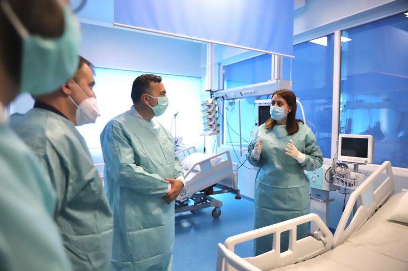 Rriten me 30% kapacitetet e reanimacionit në Shkodër, Manastirliu: