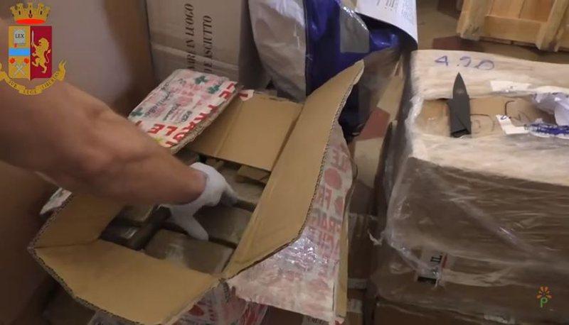 Sekuestrohen 450 kg marijuanë në Itali, pranga shqiptarëve