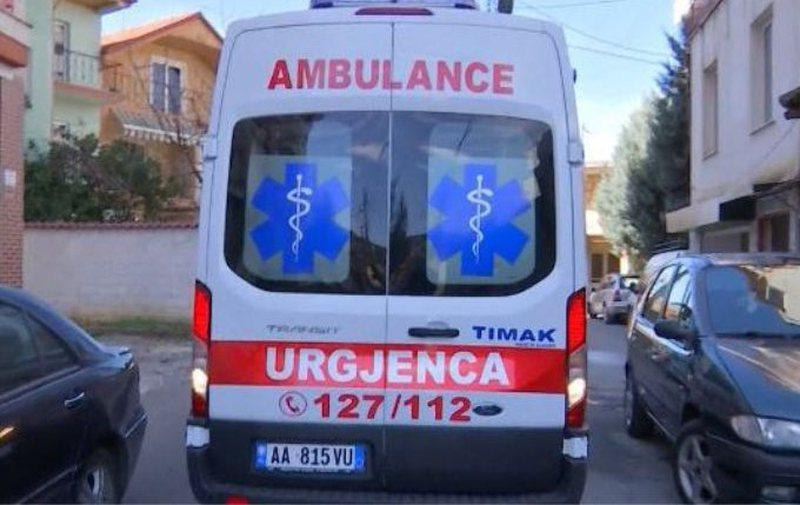 Makina përplas 6-vjeçarin, niset me urgjencë në spital.