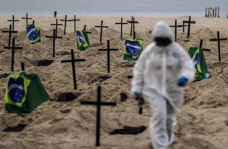 """Plazhi i famshëm Copacabana, shndërrohet """"në një"""