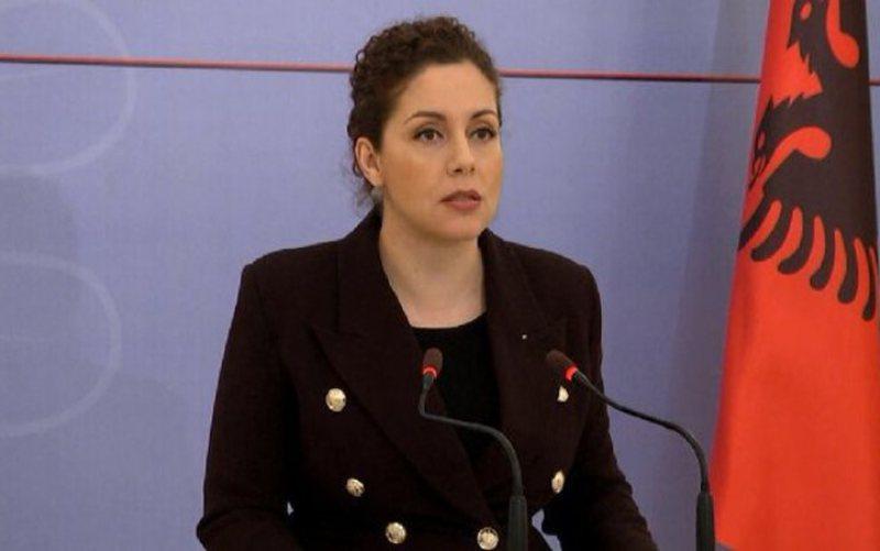 Ministrja Xhaçka apel emigrantëve: Regjistrohuni në e-Albania
